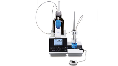 Piston burette with exchangeable head